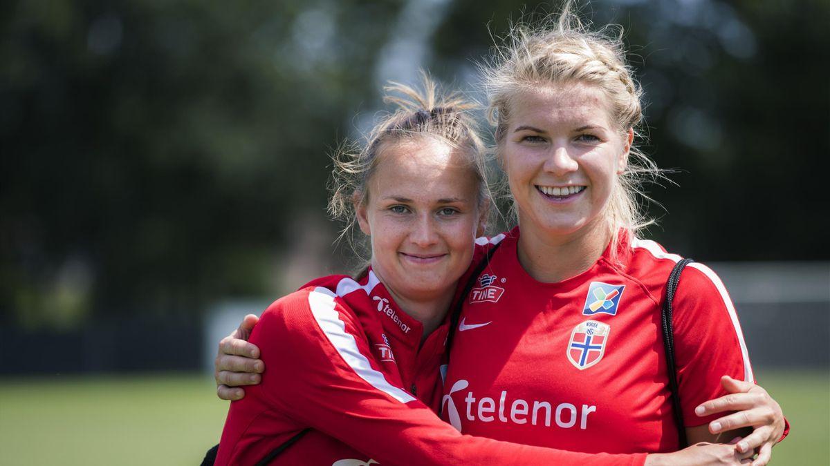 Caroline Graham Hansen og Ada Hegerberg