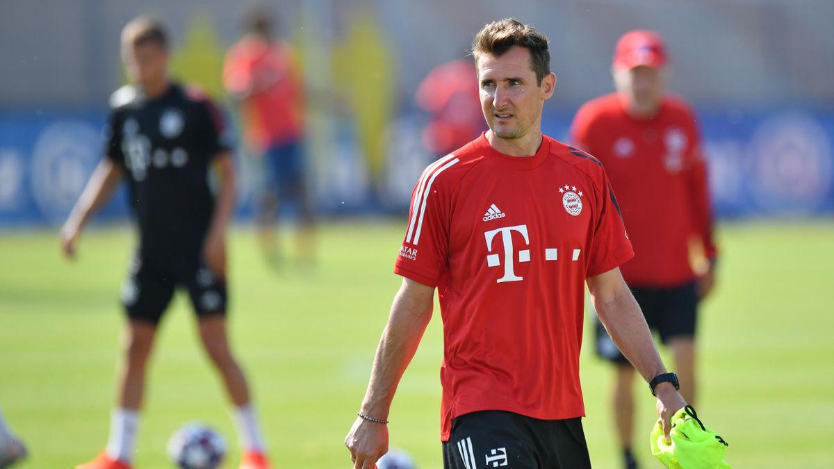 Miroslav Klose arbeitet aktuell als Stürmer-Trainer beim FC Bayern. Für ein Praktikum zieht es ihn nun zum AC Mailand