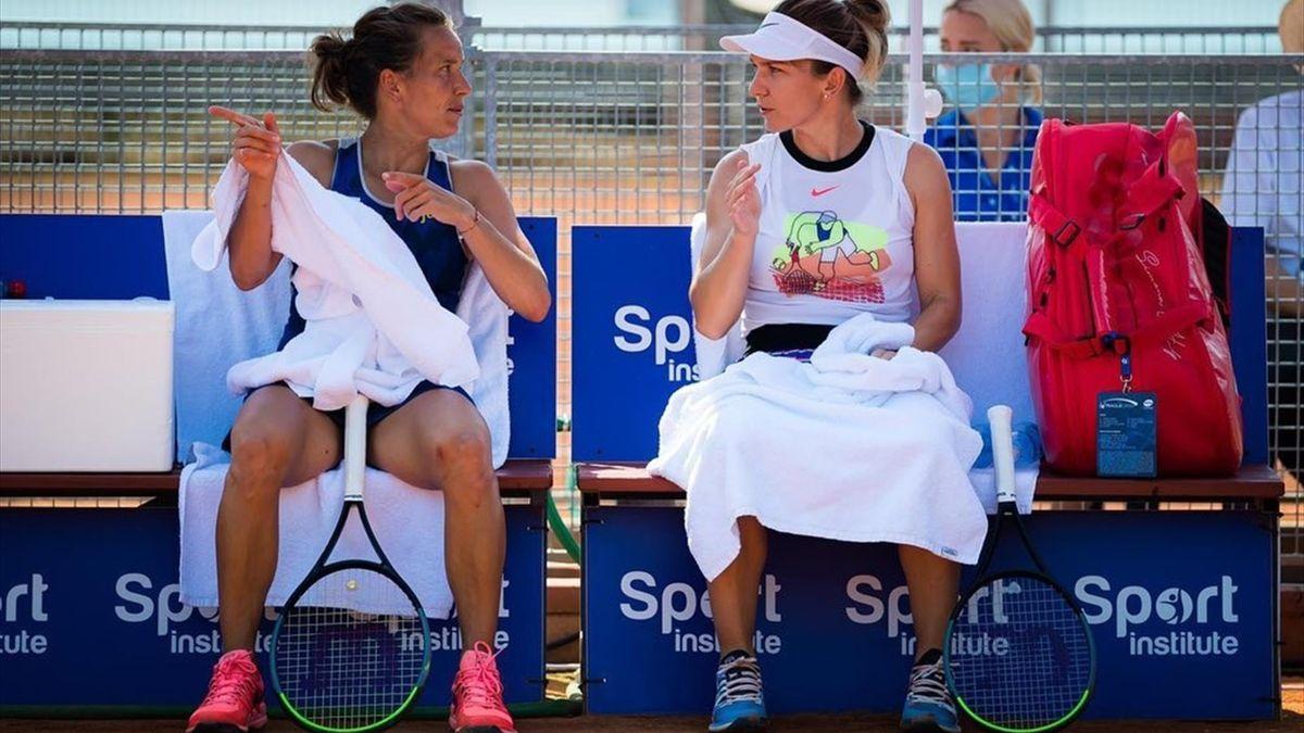 Simona Halep și Barbora Strycova, partenere în proba de dublu de la Praga