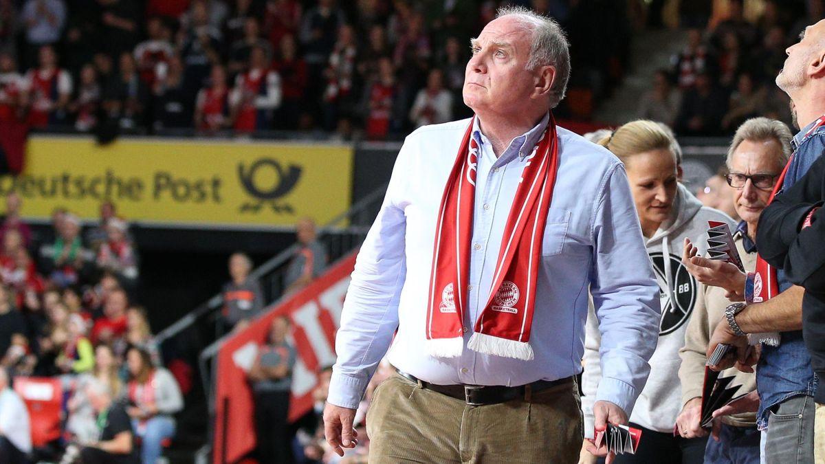 Uli Hoeneß lobt die Basketballer des FC Bayern