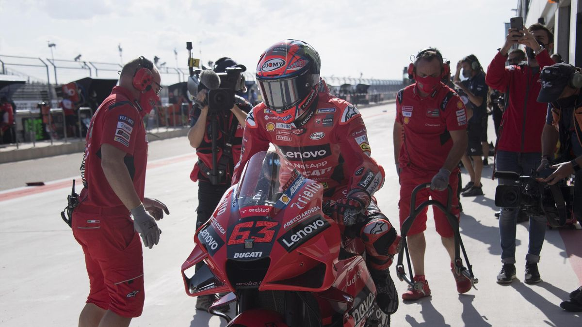 Francesco Bagnaia of Italy and Ducati Lenovo Team starts from box during the MotoGP of Aragon