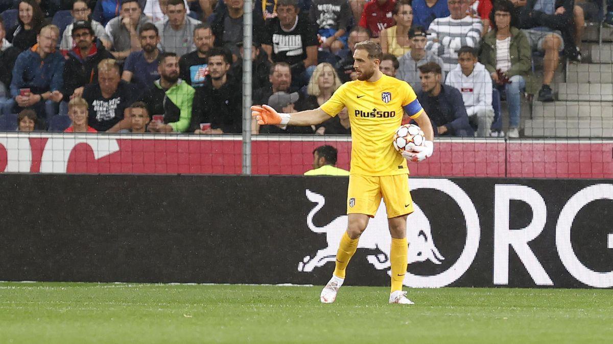 Jan Oblak durante el partido ante el Salzburgo (vía Twitter oficial del Atlético de Madrid)