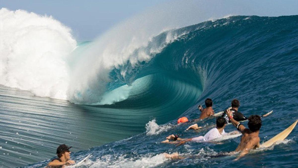 Teahupo'o surfing spot in Tahiti (Photo courtesy of ASP)