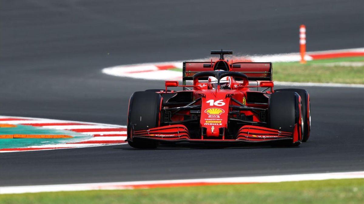 La Ferrari di Charles Leclerc durante le libere 1 del Gran Premio di Turchia - F1 Mondiale 2021