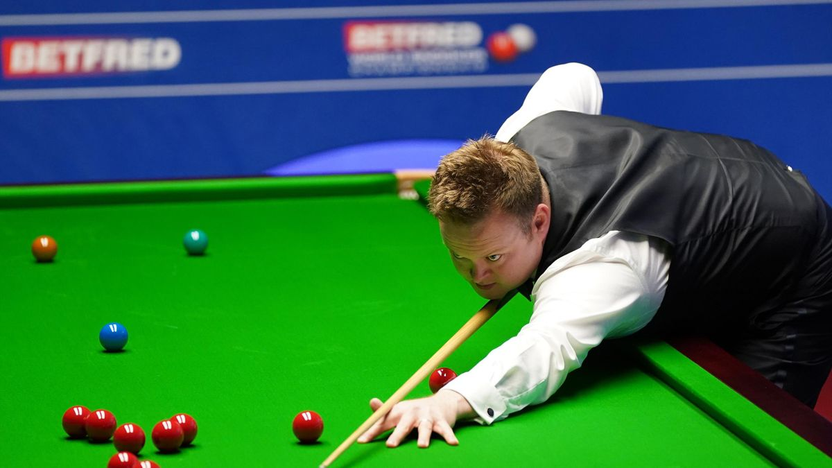 Shaun Murphy plays a shot during day 11 of the Betfred World Snooker Championships 2021 at the Crucible Theatre on April 27, 2021 in Sheffield, England