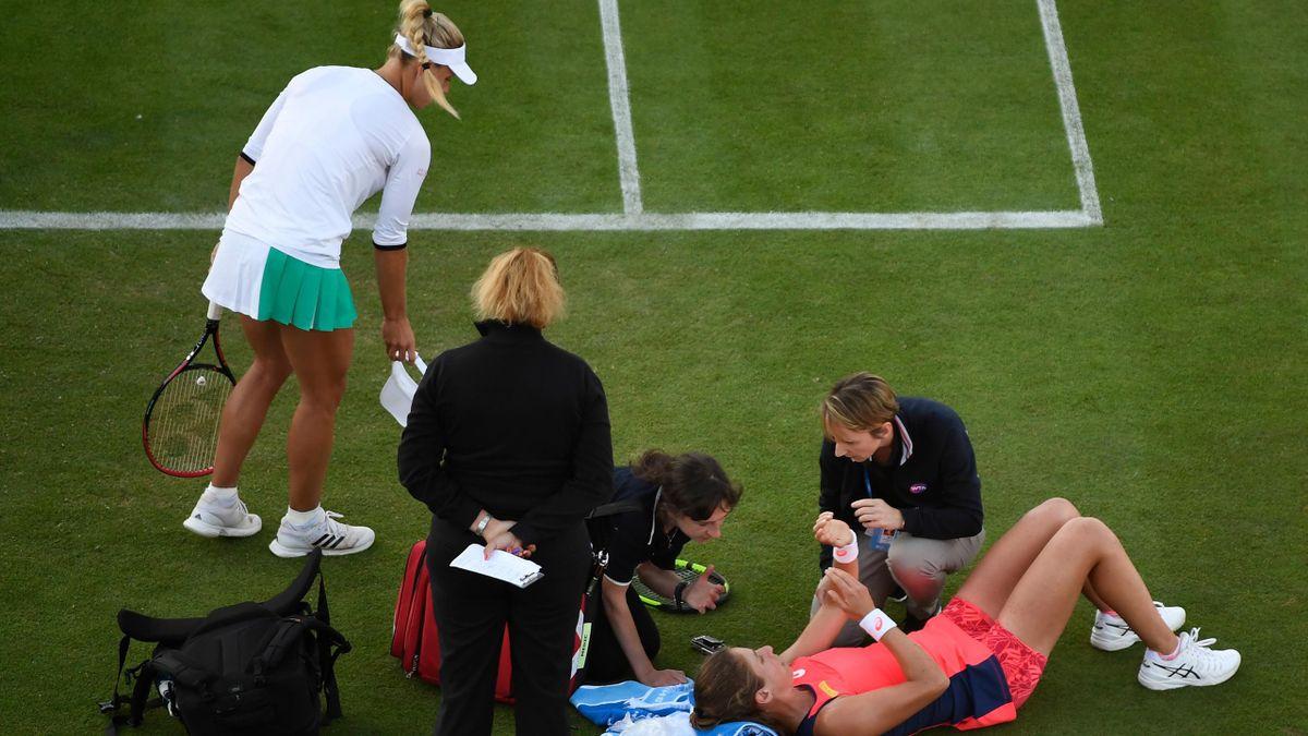 Johanna Konta suffers a nasty fall in her Aegon International quarter-final against Angelique Kerber