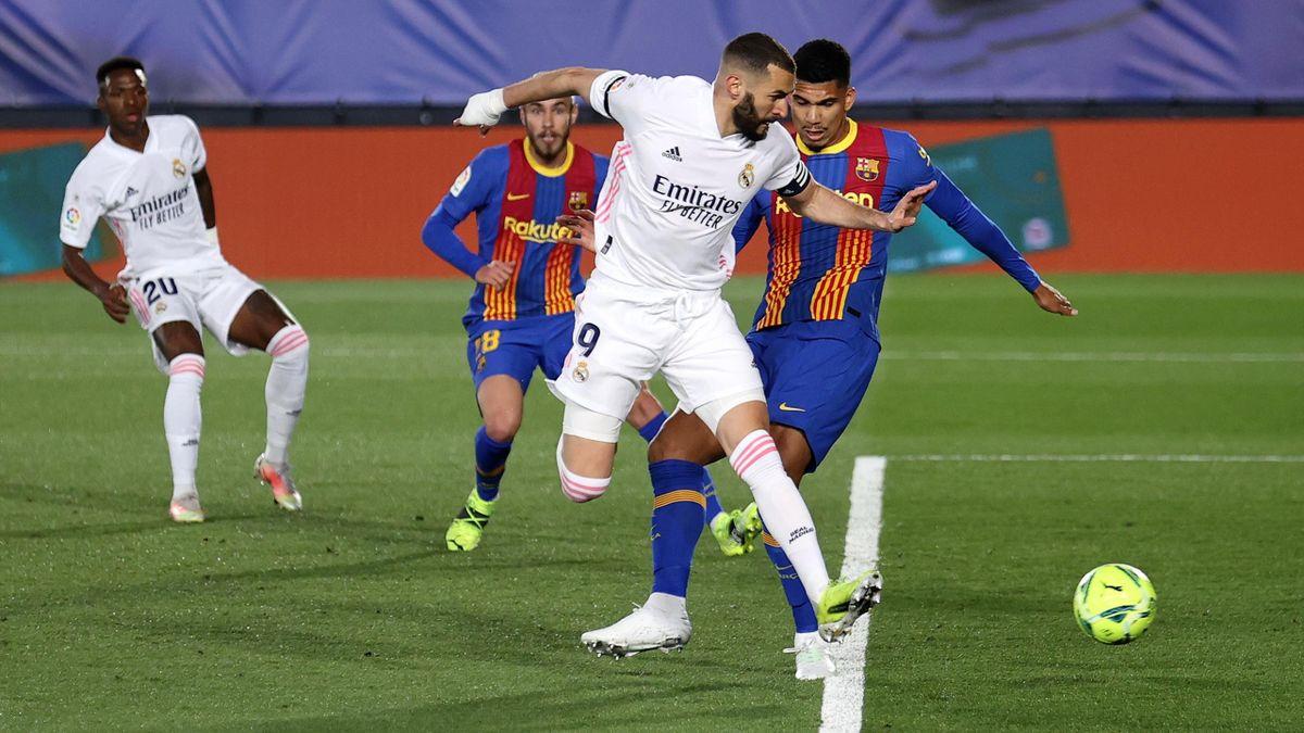 Le but magnifique de Karim Benzema face au Barça