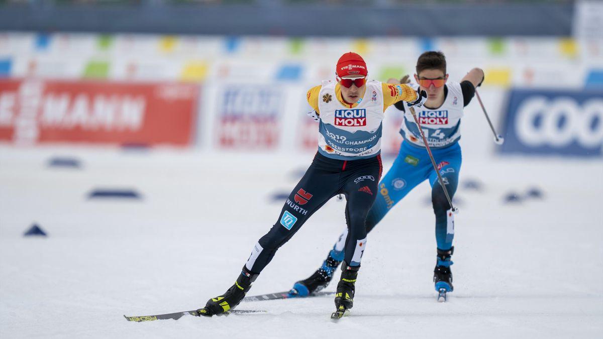 Eric Frenzel im Trikot des Titelverteidigers bei der WM-Entscheidung über die 10 km nach dem Sprung auf der Großschanze