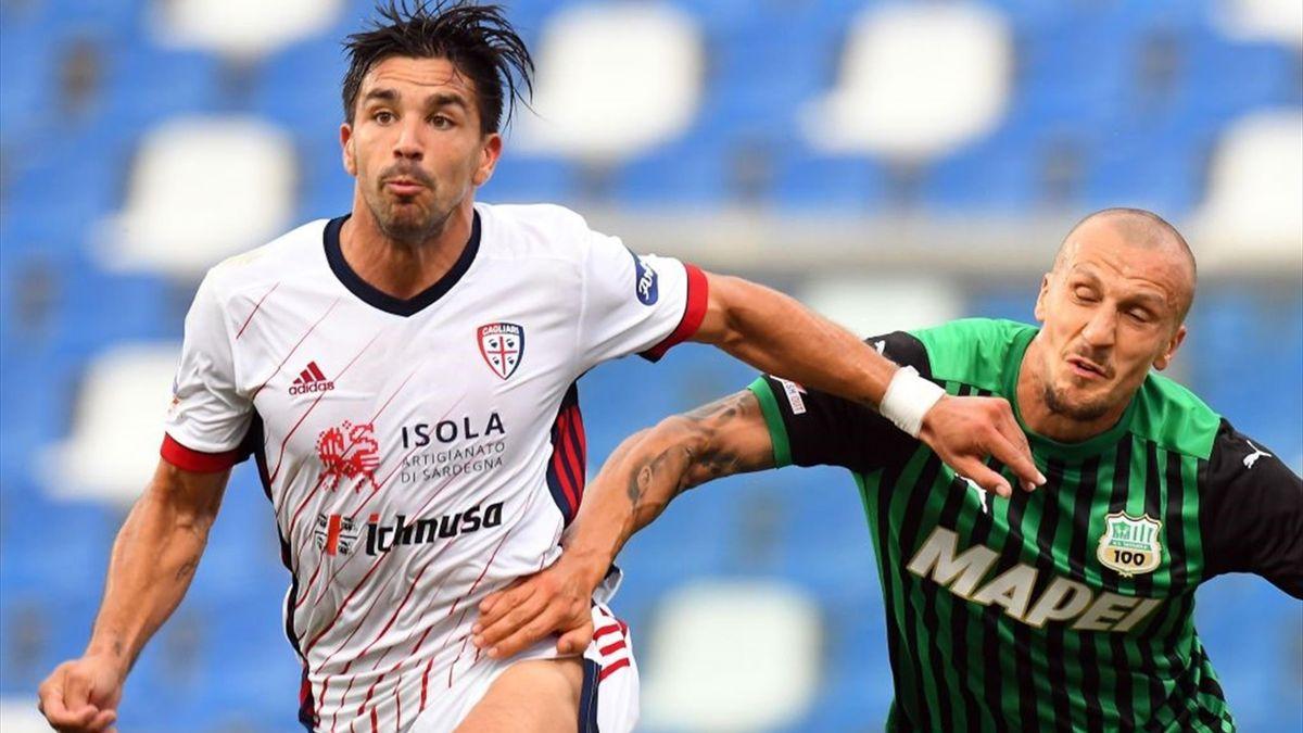 Simeone e Chiriches - Sassuolo-Cagliari - Serie A 2020-21
