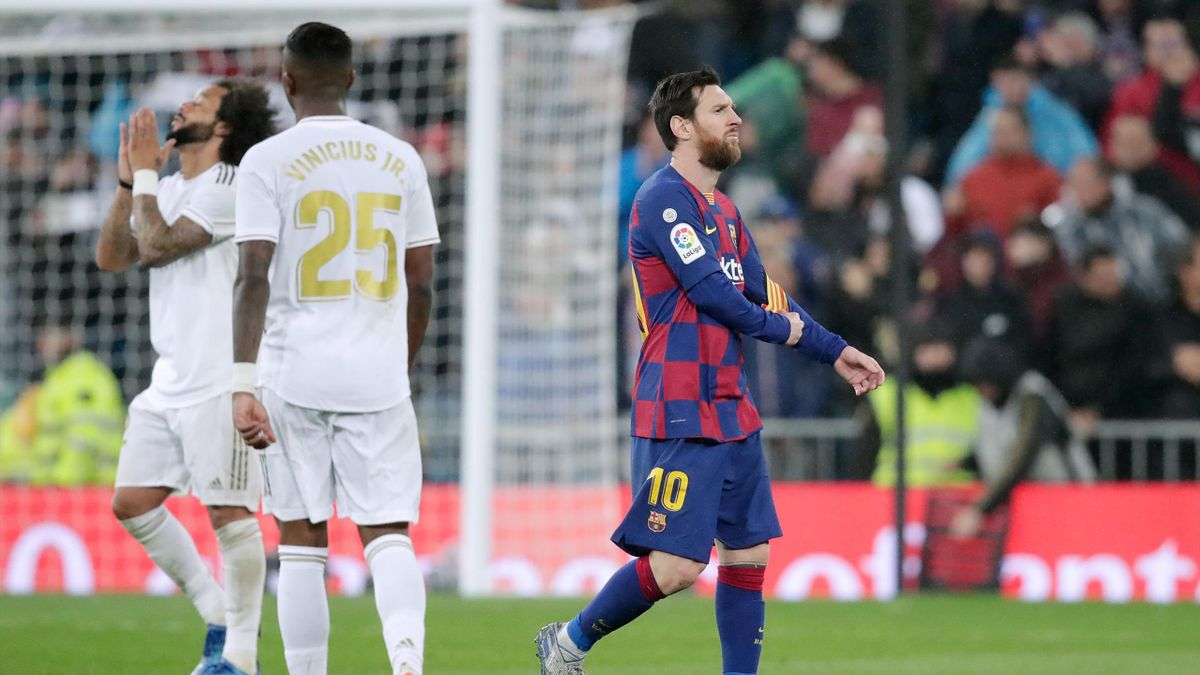 Lionel Messi of FC Barcelona disappointed during the La Liga Santander match between Real Madrid v FC Barcelona at the Santiago Bernabeu on March 1, 2020 in Madrid Spain