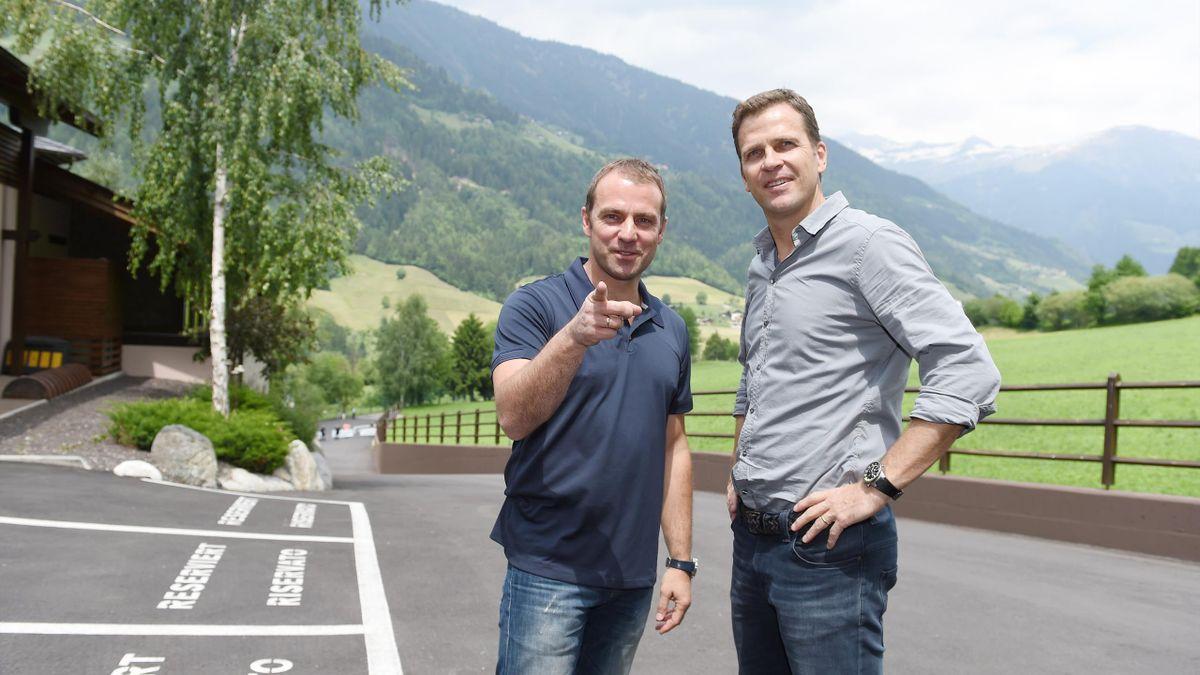 Hansi Flick (l.) und Oliver Bierhoff