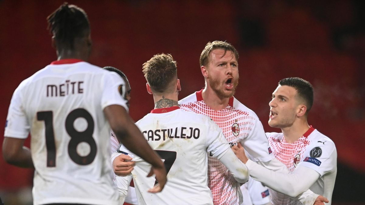 Simon Kjaer celebrates - Manchester United vs. AC Milan