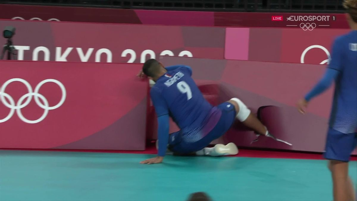 'Nasty!' - Volleyball star gets foot painfully stuck in advertising hoarding
