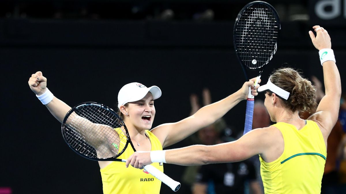 Les Australiennes Barty et Stosur savourent leur qualification en finale de la Fed Cup 2019.