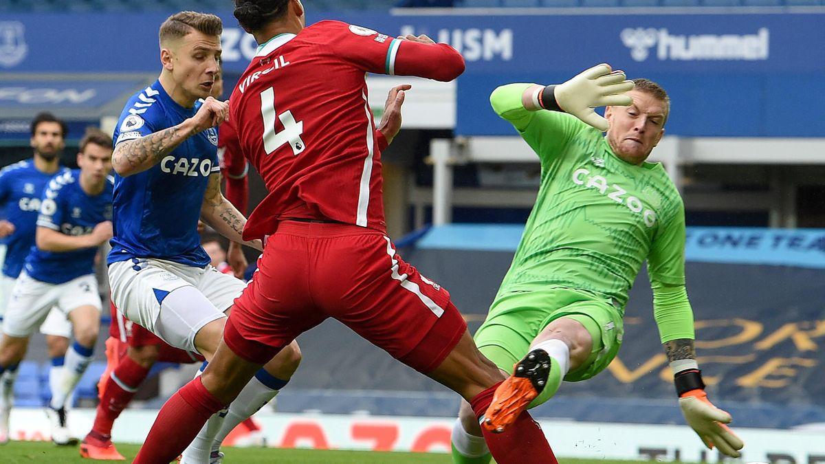 Jordan Pickford l-a accidentat grav pe Van Dijk în meciul Everton-Liverpool