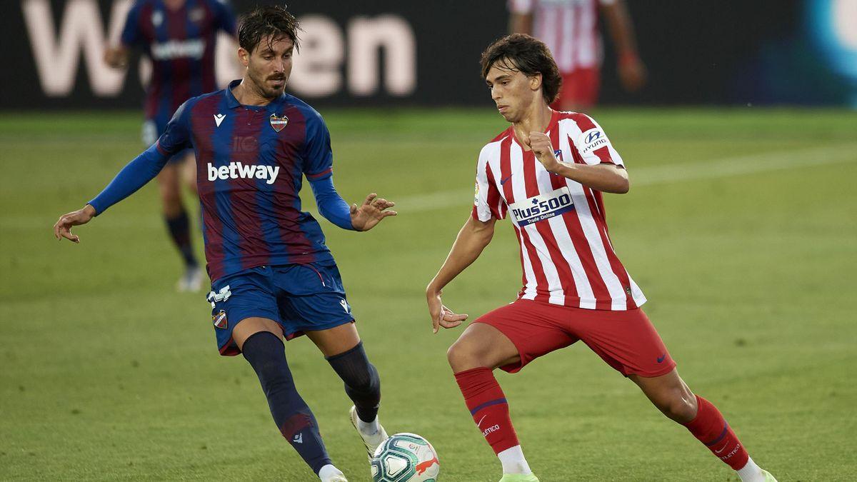 Jose Campaña (Levante) y Joao Felix (Atletico Madrid)