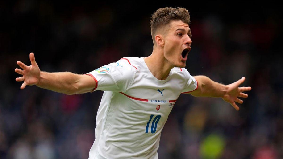 Patrik Schick celebra su segundo gol de la tarde.