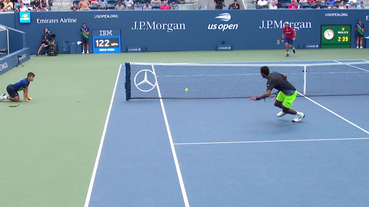 US Open   Johnson verrast Monfils eens te meer met een onmogelijke bal