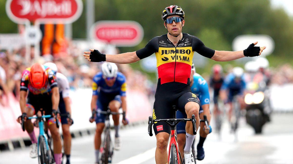 Wout Van Aert (Jumbo-Visma) encore vainqueur d'une étape sur le Tour de Grande-Bretagne