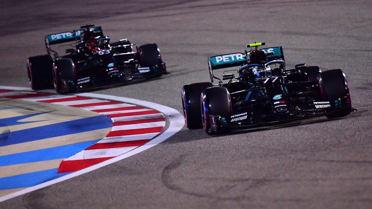 Valtteri Bottas und Lewis Hamilton (Mercedes) in Bahrain