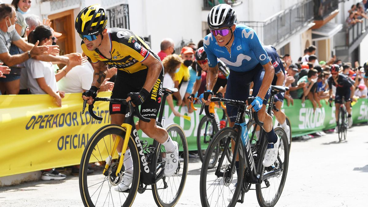 Primoz Roglic (Jumbo-Visma) et Enric Mas (Movistar) dans les plus forts pourcentages de la montée vers Valdenepaes de Jaen, sur la Vuelta 2021