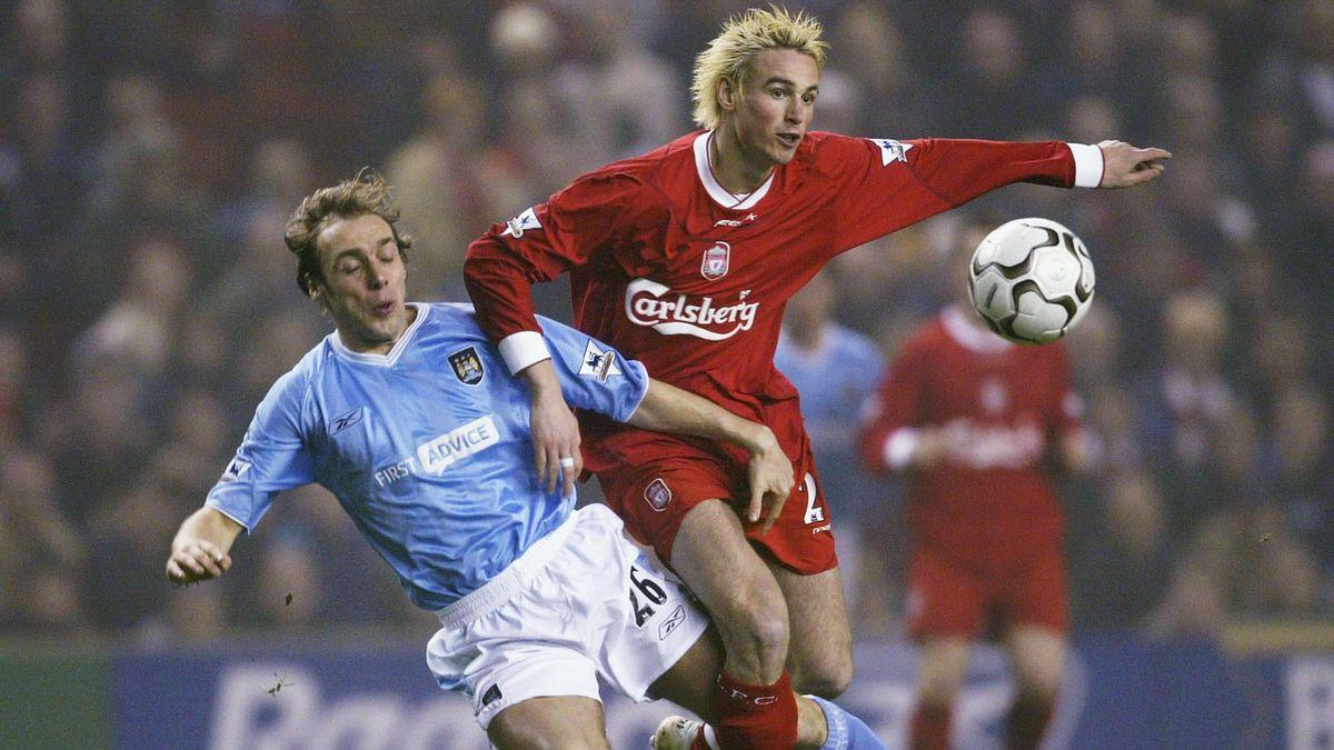 Anthony Le Tallec (sous le maillot de Liverpool en 2004) arrête sa carrière.