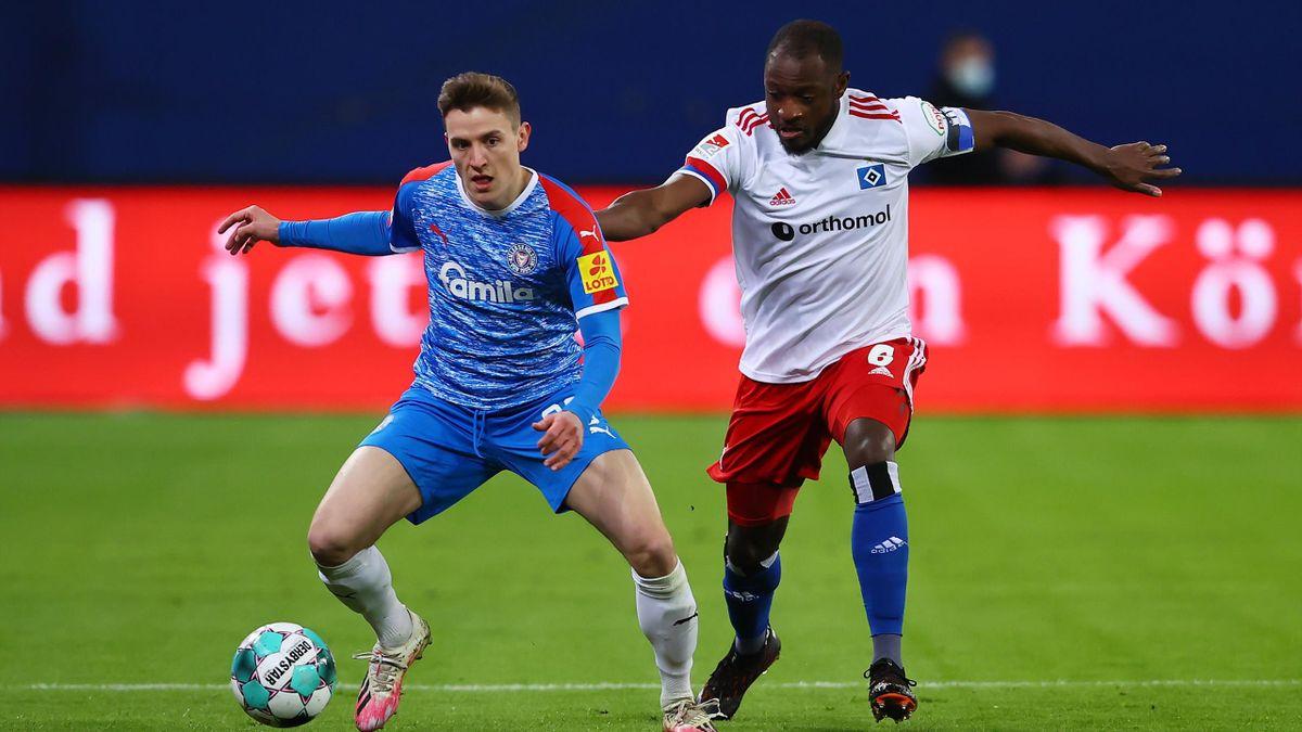 Hamburger SV gegen Holstein Kiel