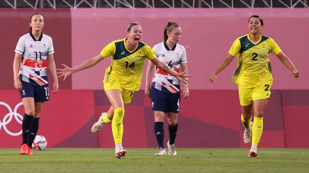 Australian goalscorers Alanna Kennedy and Sam Kerr celebrate