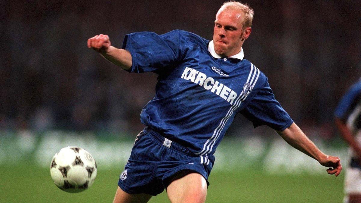Yves Eigenrauch 1997 im Schalke-Trikot gegen Inter Mailand