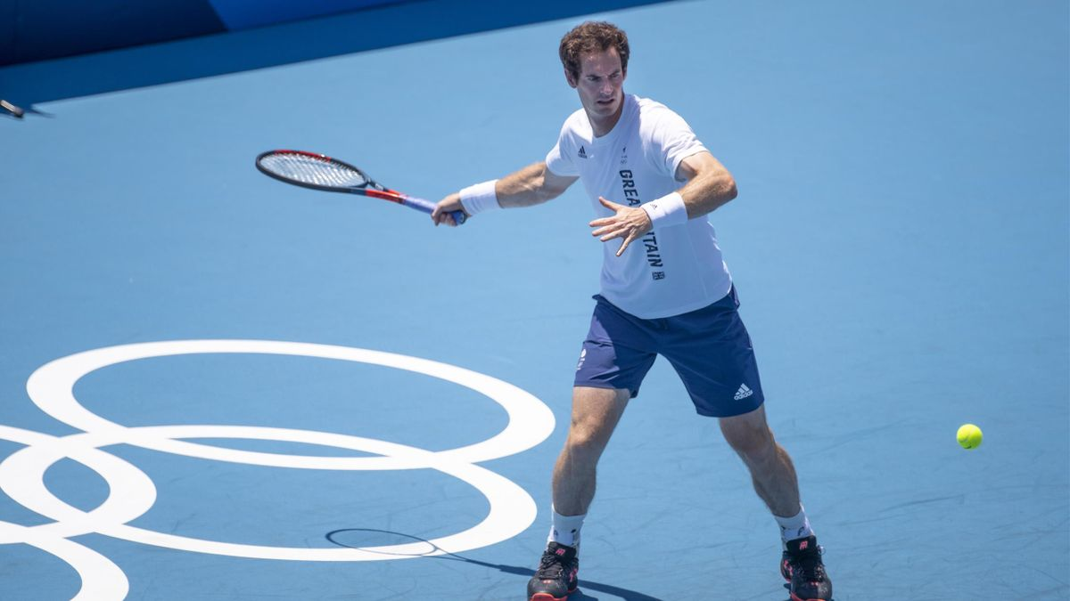 Andy Murray practices ahead of the start of his Tokyo 2020 bid