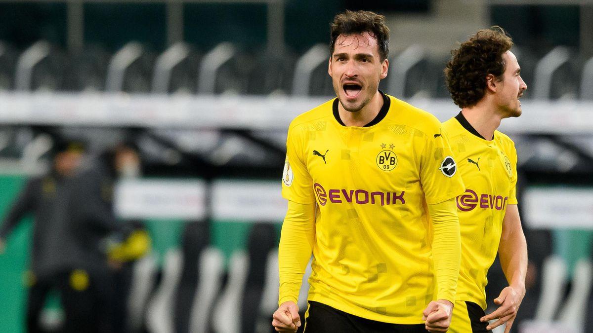 Mats Hummels jubelt - Borussia Mönchengladbach vs. Borussia Dortmund