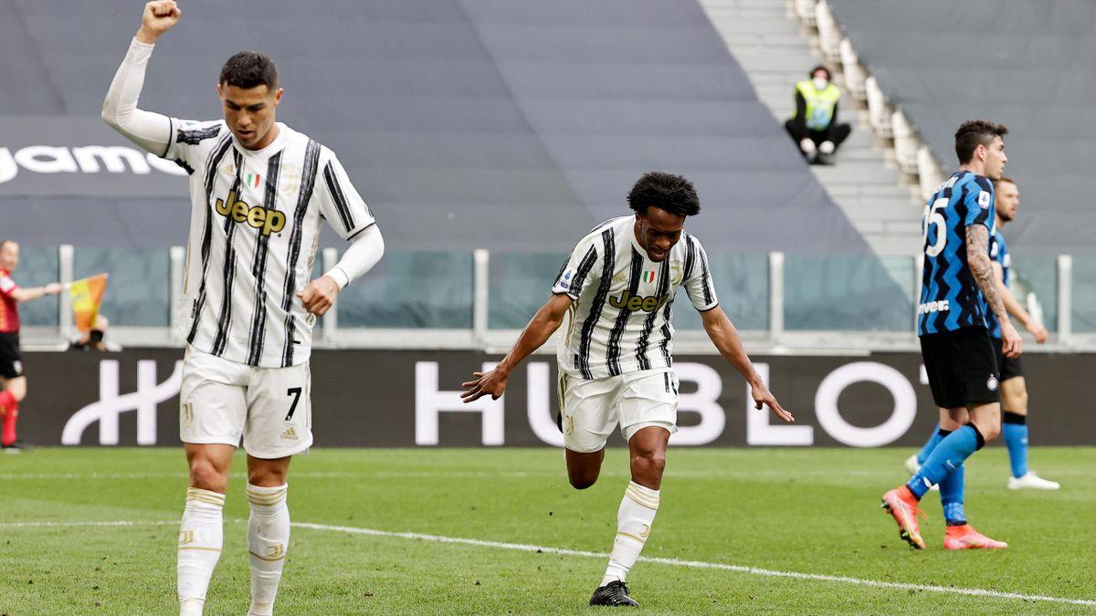Cristiano Ronaldo e Juan Cuadrado esultano dopo il gol nel derby d'Italia, Juventus-Inter, Getty Images