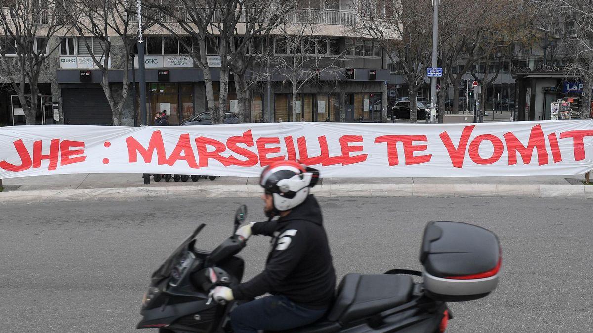 Banderole déployée ce samedi à Marseille