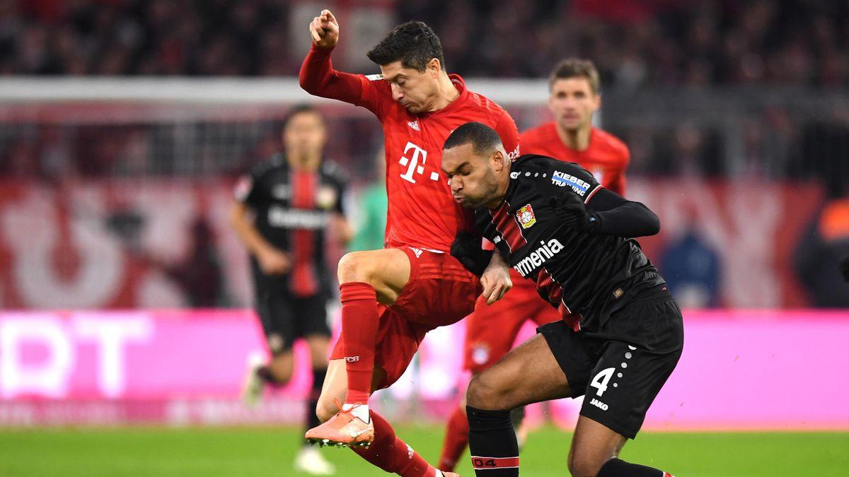 FC Bayern - Bayer Leverkusen: Lewandowski im Duell mit Tah