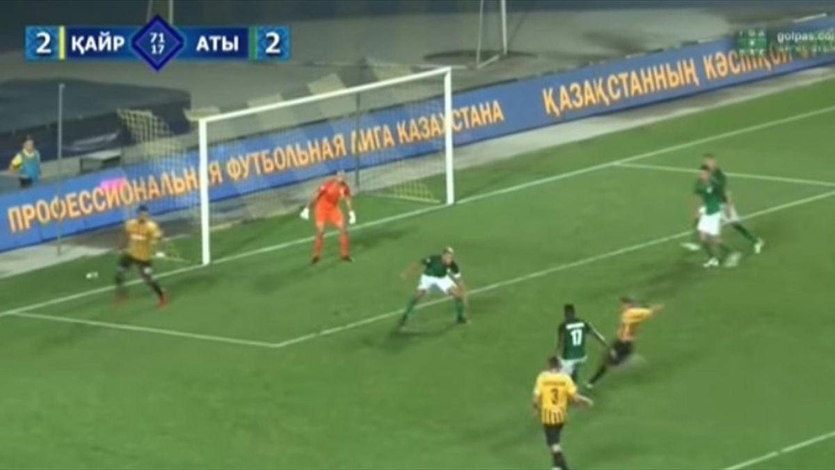 Андрей Аршавин забивает в ворота «Атырау»