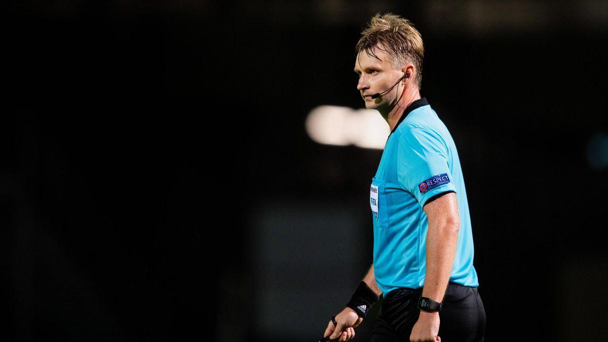 Schiedsrichter Sergej Lapotschkin