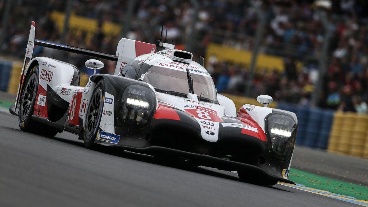 El Toyota nº8 pilotado por Alonso en las 24 h de Le Mans