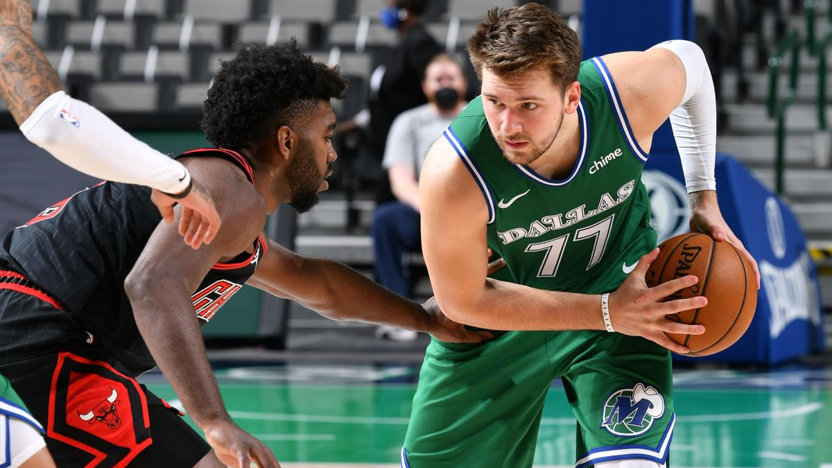 Luka Doncic facing the Chicago Bulls