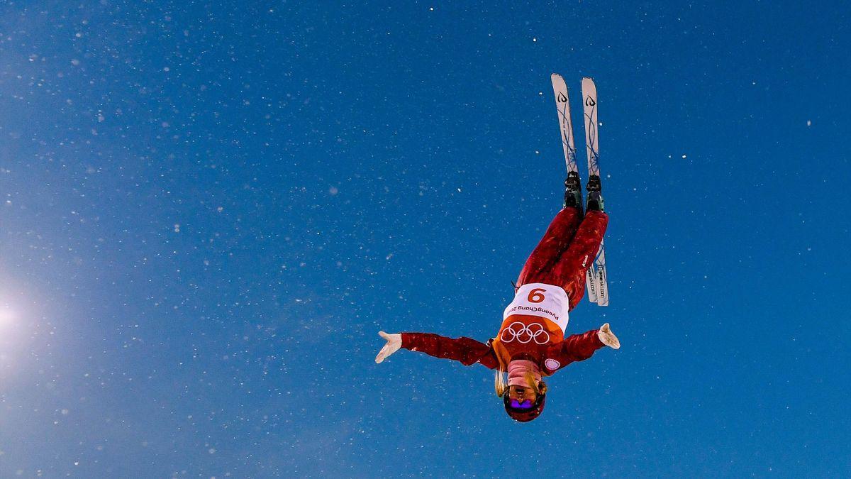 Alina Gridneva en plein vol en ski acroatique / JO de Pyeongchang