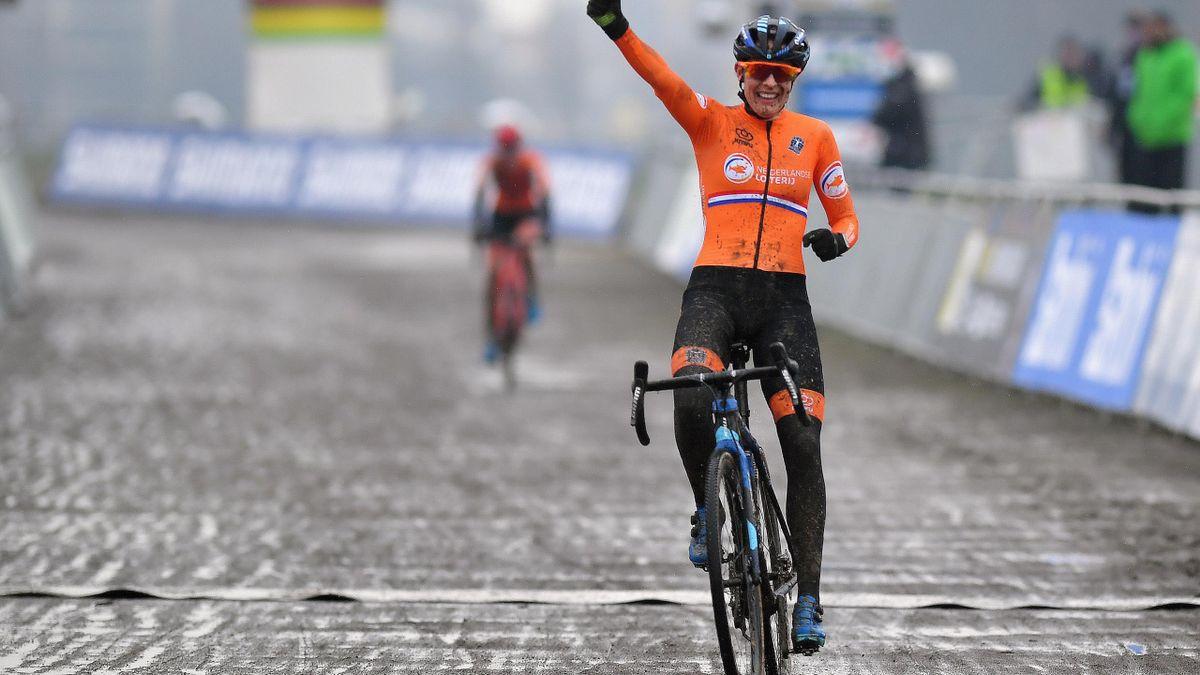 Lucinda Brand wereldkampioen in Oostende