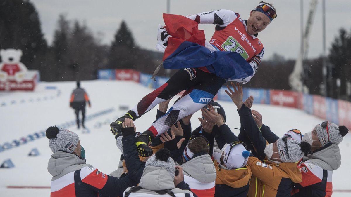 Moravecet ünneplik az utolsó versenye után