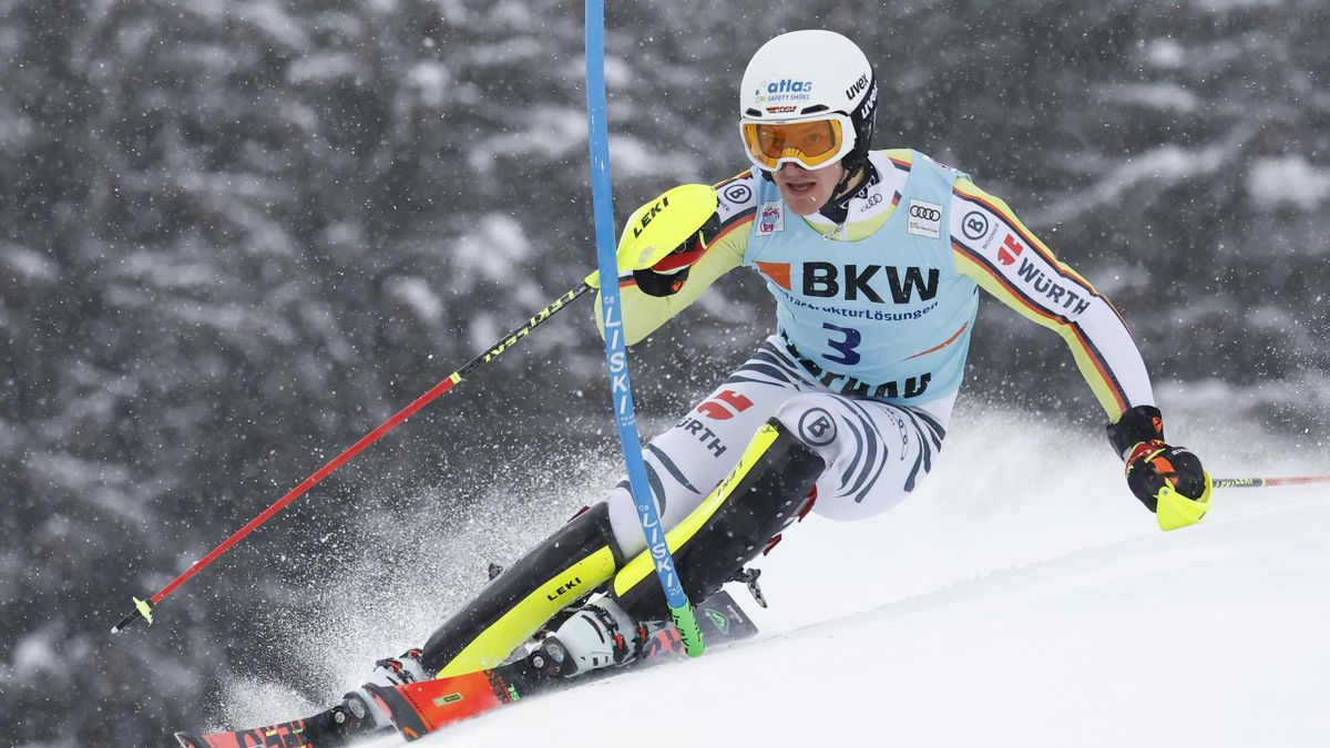 Linus Straßer beim Slalom in Flachau 2021