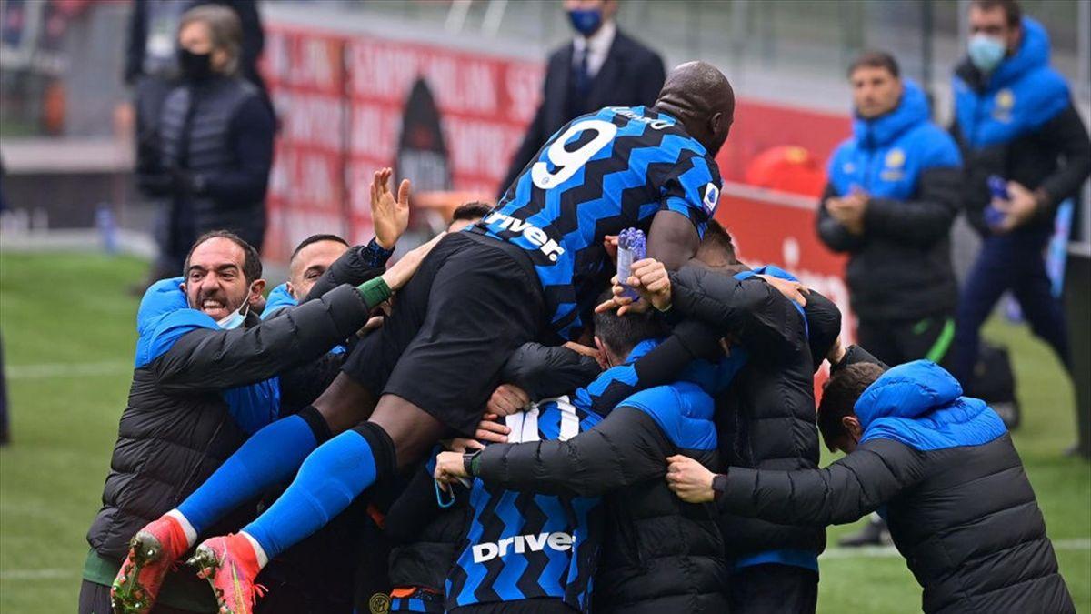 L'esultanza dei giocatori dell'Inter