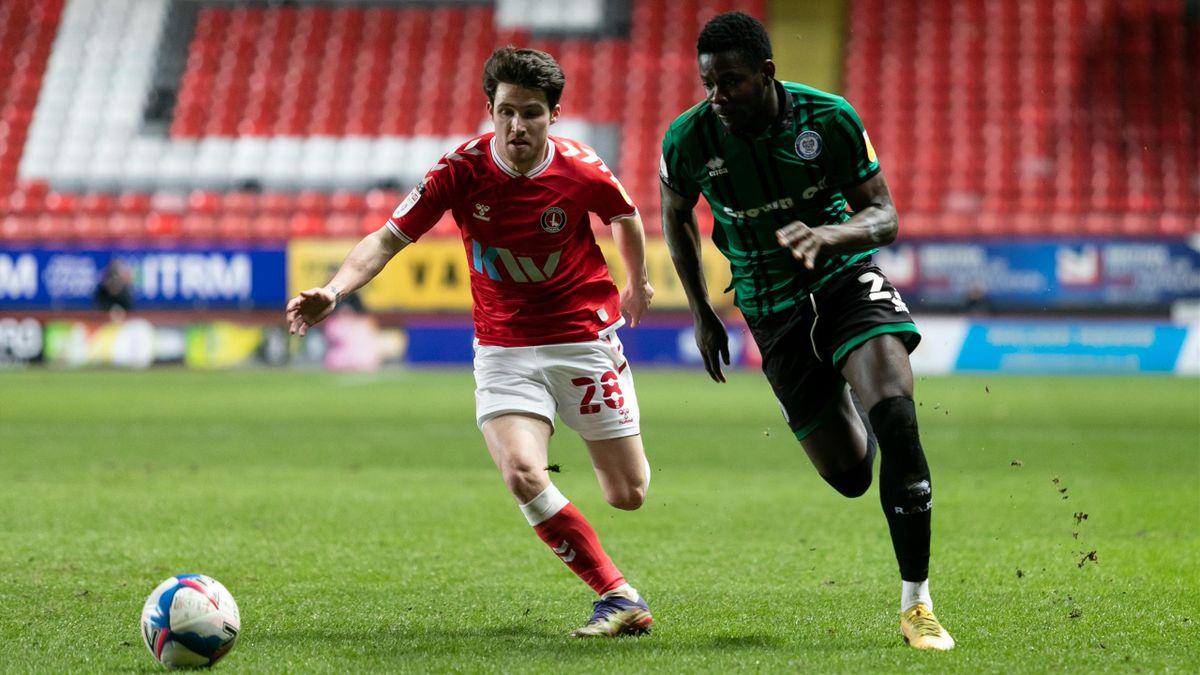 Kwadwo Baah (rechts) im Spiel gegen Charlton Athletic