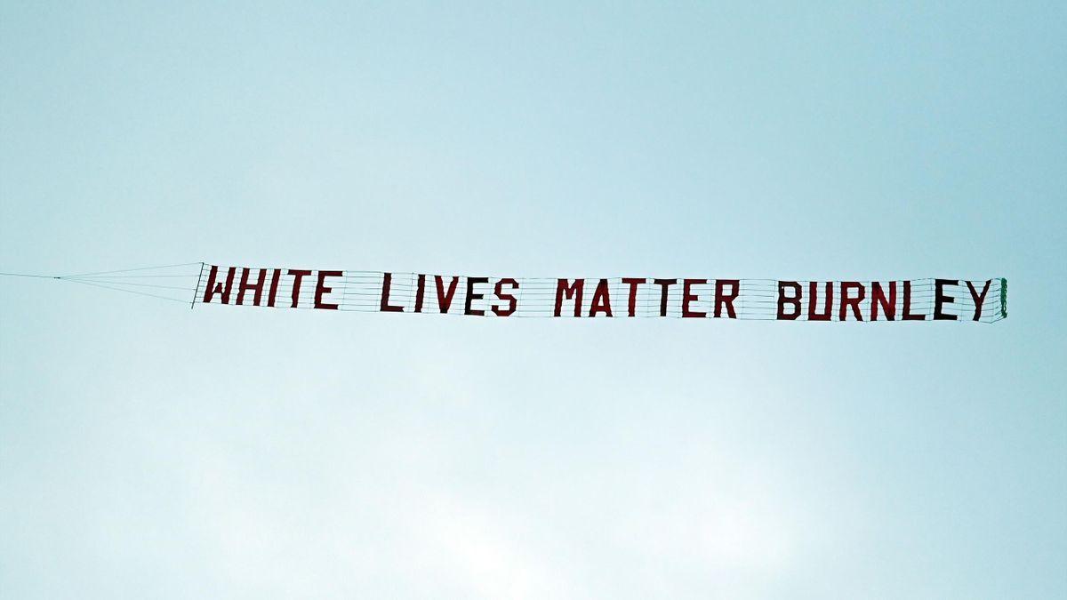 Beim Spiel zwischen ManCity und Burnley kam es zu einem Rassismus-Skandal mit einem Kleinflugzeug