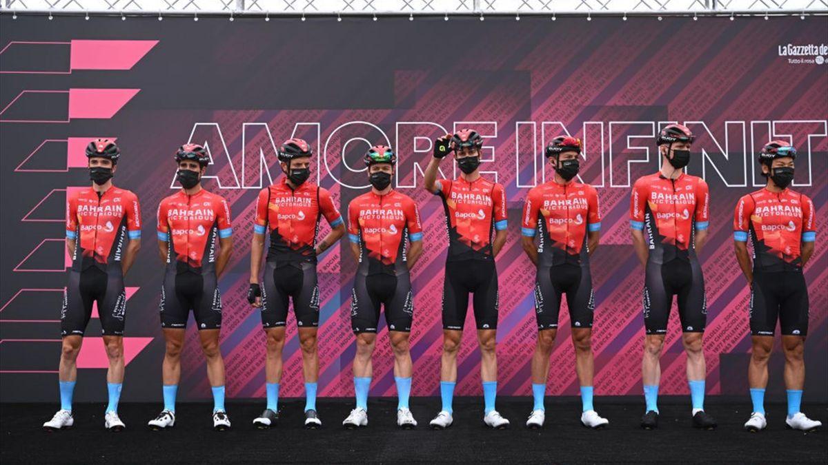 La Bahrain Victorious alla presentazione della seconda tappa - Giro d'Italia 2021