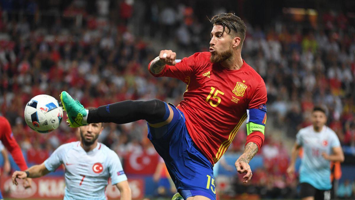 Sergio Ramos, nouveau joueur de champ le plus capé de l'histoire de l'Espagne