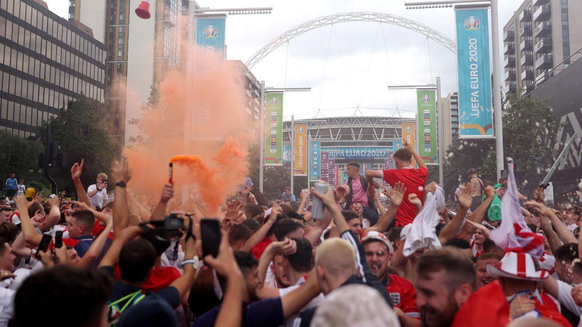 England Fans EURO
