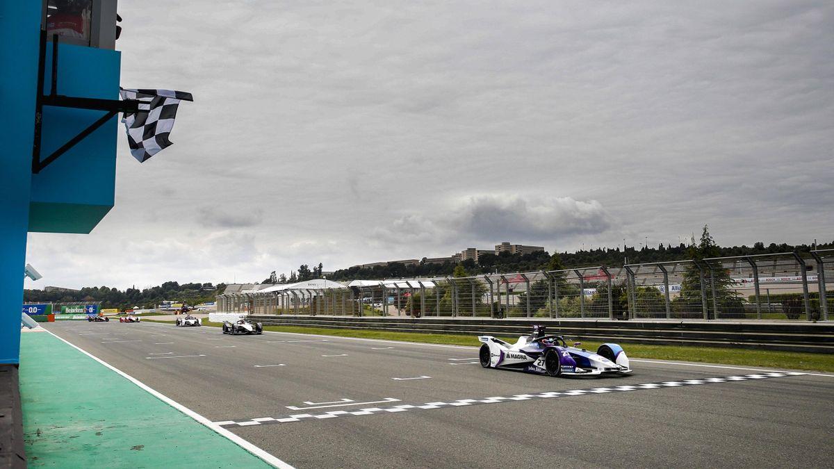 Formel E - Jake Dennis gewinnt in Valencia