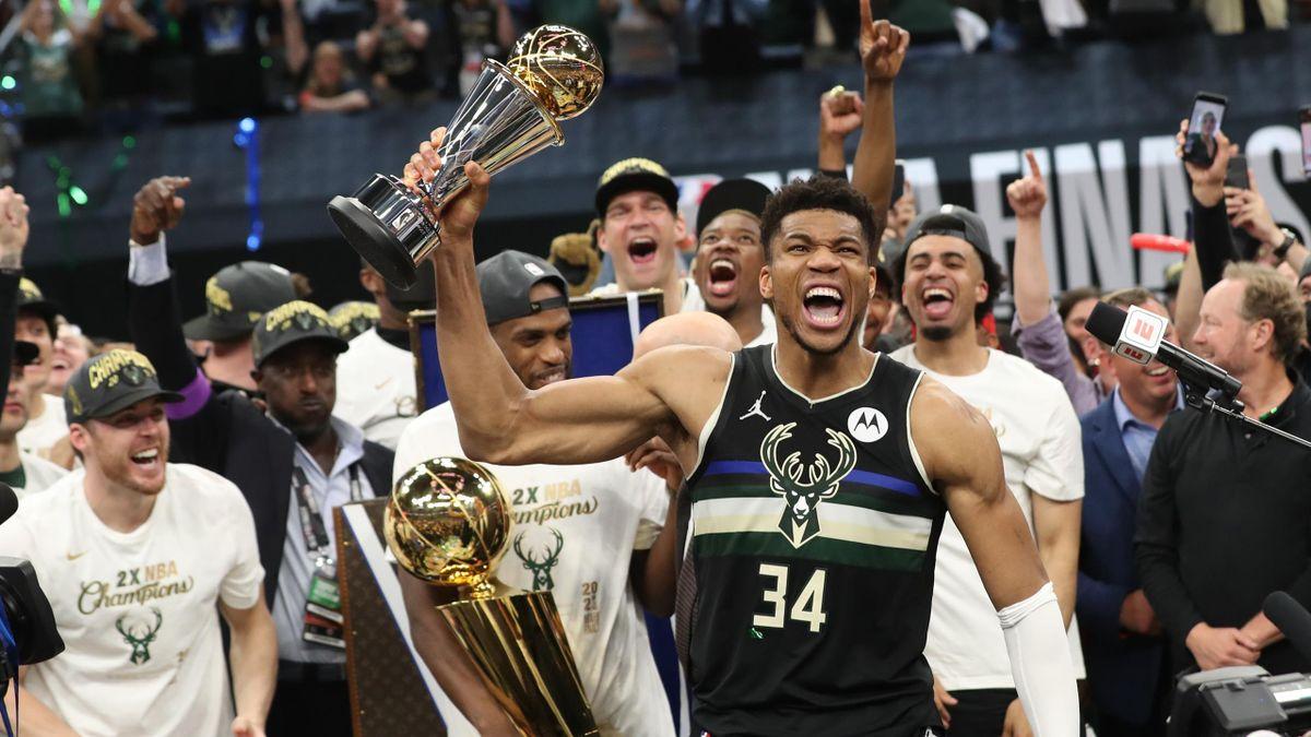 Giannis Antetokounmpo - Milwaukee Bucks